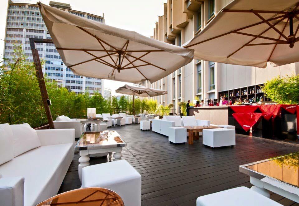 Aperitivo a milano la lista dei migliori locali guida definitiva agli aperitivi di milano - Terrazzi di design ...