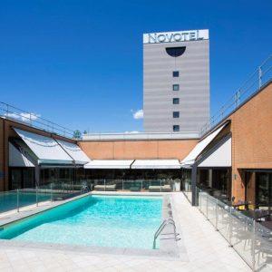 Piscina al aperto Novotel Linate Milano - Milanoindiscoteca