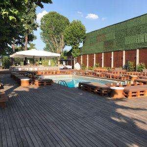 Aperitivo in Piscina Milano Milan Castle Paderno Castello con piscina