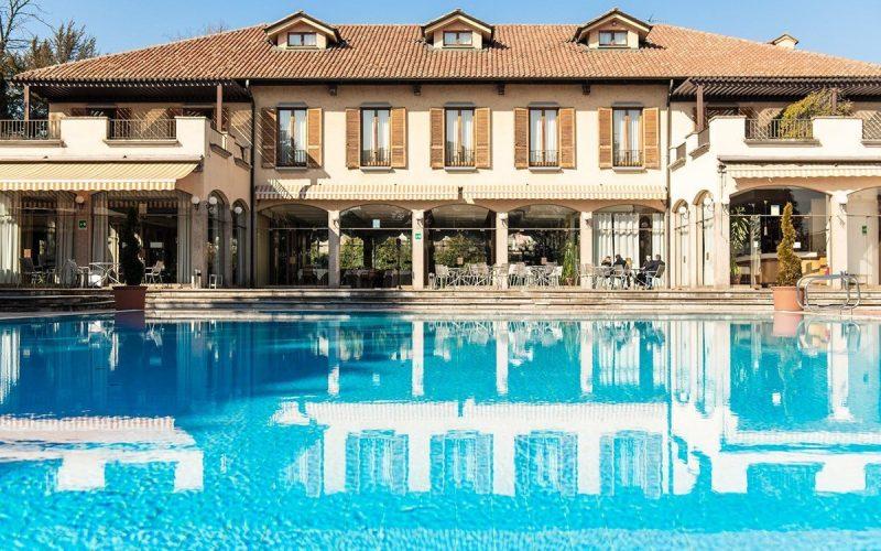Brunch e Grigliata di Pasquetta in piscina alle porte di Milano