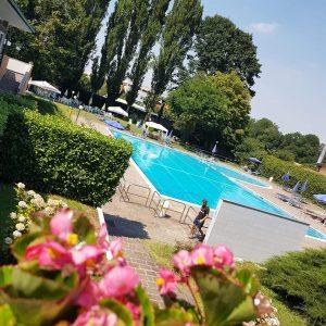 foto piscina baranzate 1